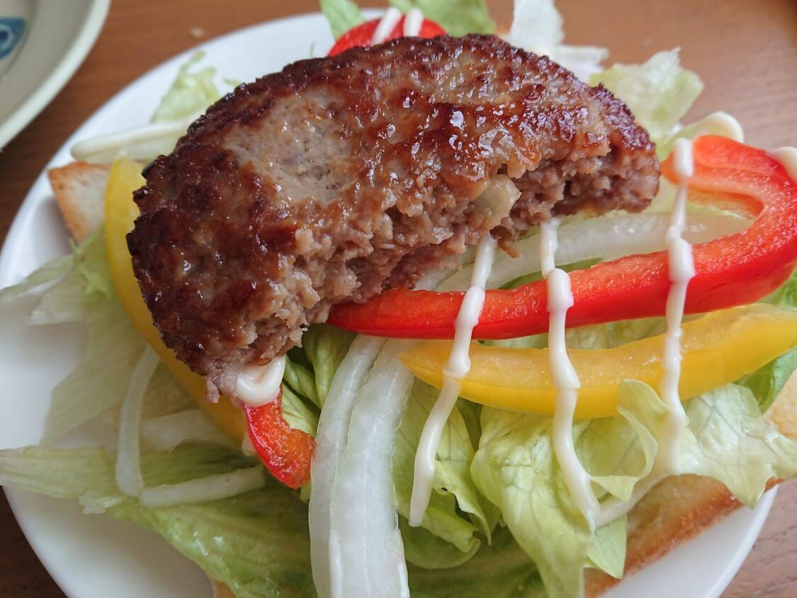 ハンバーガーの韓国レシピ。プルコギ味の甘辛パティが簡単で美味しい♪食パンOK