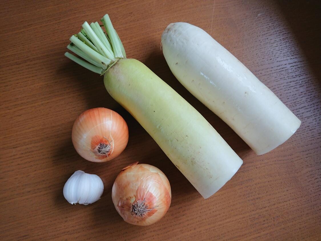 焼肉・サムギョプサル用大根の酢漬け「サンム」の韓国人気レシピ。材料と野菜