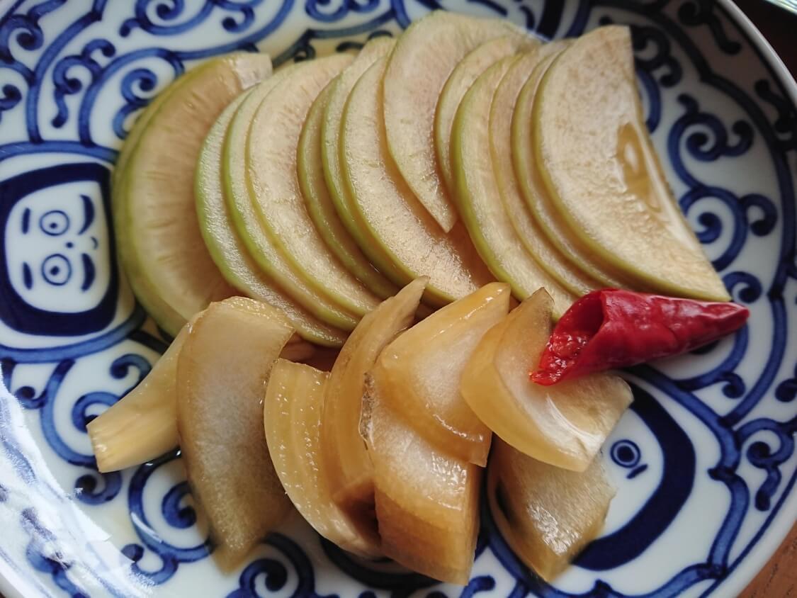 焼肉・サムギョプサル用大根の酢漬け「サンム」の作り方。盛り付け