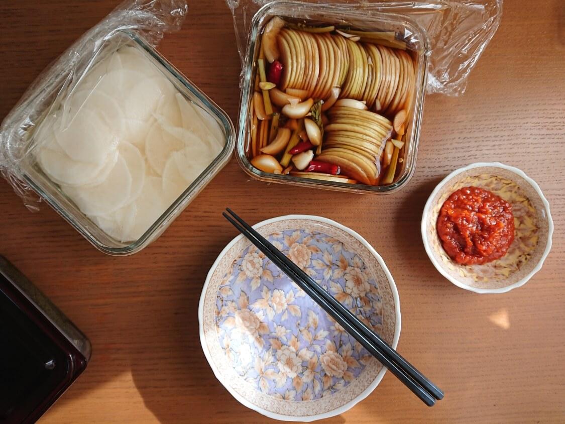 焼肉・サムギョプサル用大根の酢漬け「サンム」の付け合わせ・献立