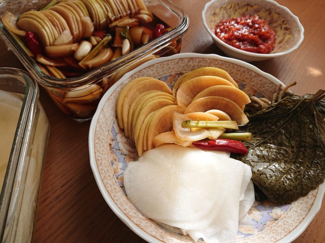 焼肉・サムギョプサルなどお肉料理の付け合わせに、大根の酢漬け「サンム」