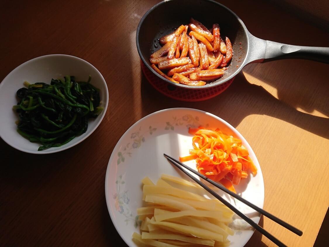 簡単!ミニ海苔巻きコマキンパのレシピ。基本とおすすめの具材について