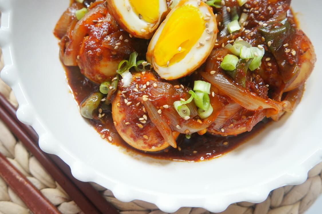 ゆで卵のピリ辛コチュジャン煮。韓国のレシピ