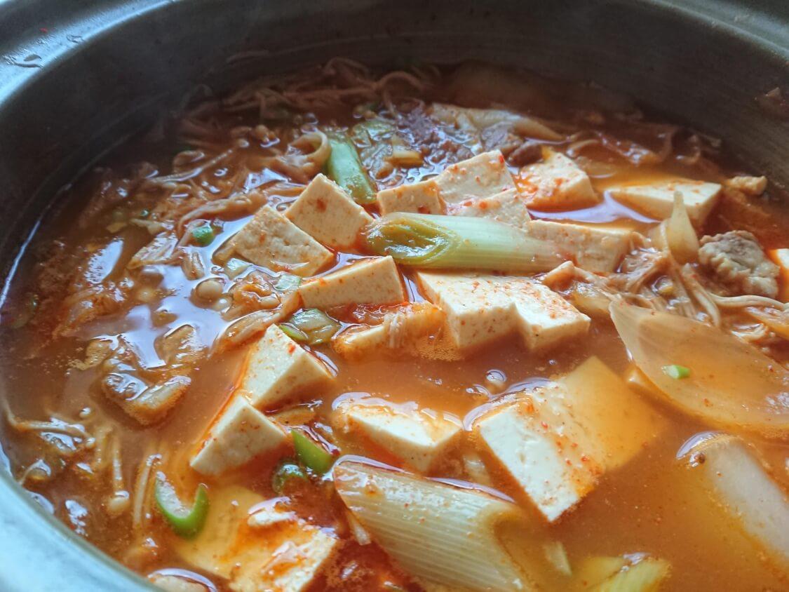 旨辛!豆腐チゲの韓国人気レシピ。完成