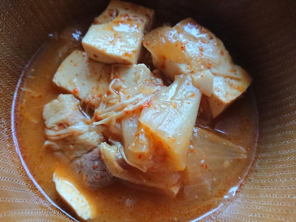 旨辛!豆腐チゲの韓国人気レシピ。盛り付けと献立