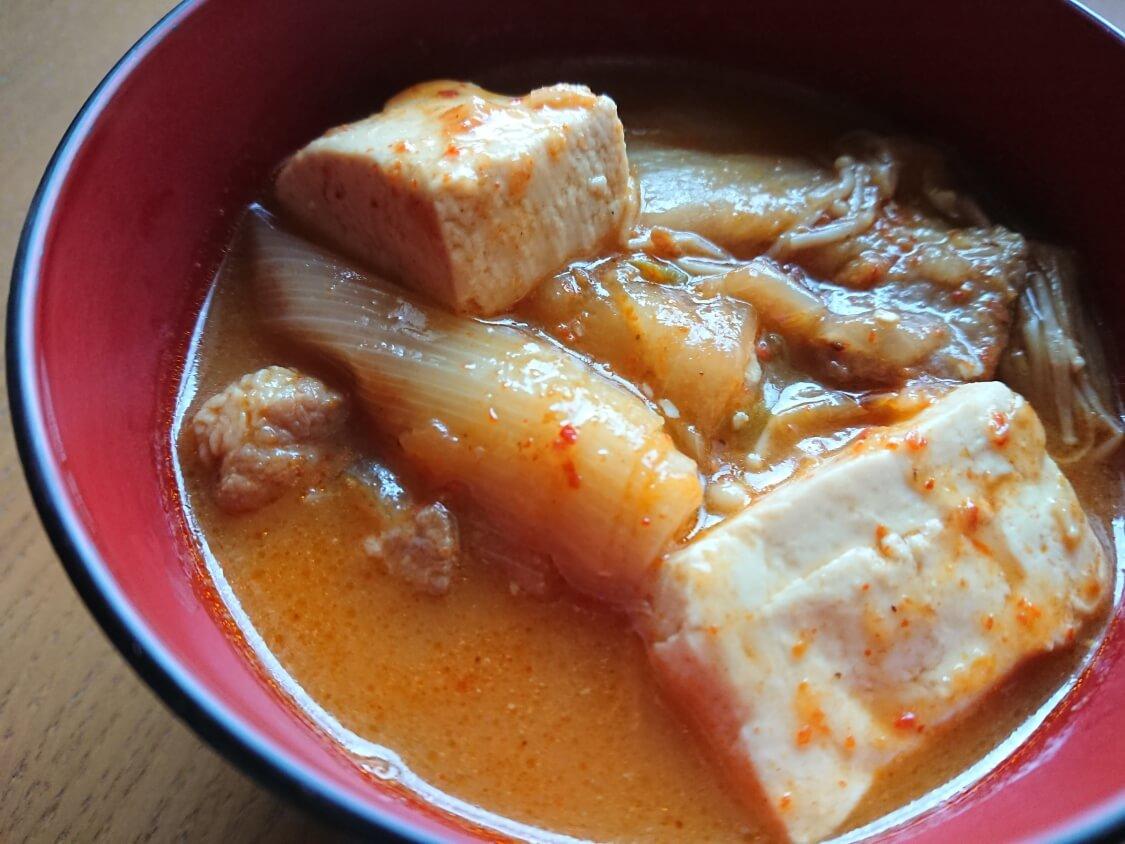 さっぱりと旨辛!豆腐チゲの韓国人気レシピ。キムチなしでも美味しい♪