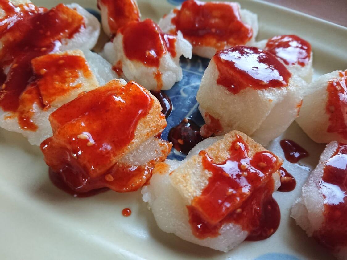 ヤンニョム餅のレシピ。韓国の屋台で人気のおやつ