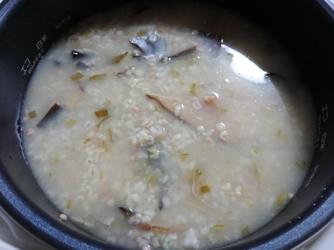 痩せるおかゆ!ダイエット食「沼」のレシピ。水の追加と混ぜること