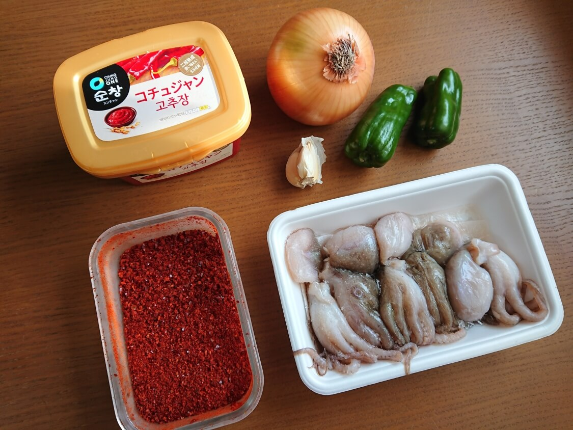 イイダコの旨辛炒め(チュクミポックム)の韓国レシピ。材料と調味料
