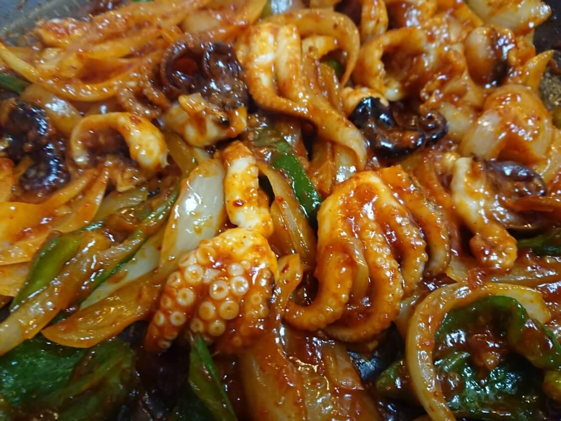 イイダコの旨辛炒め(チュクミポックム)の韓国レシピ。詳しい作り方