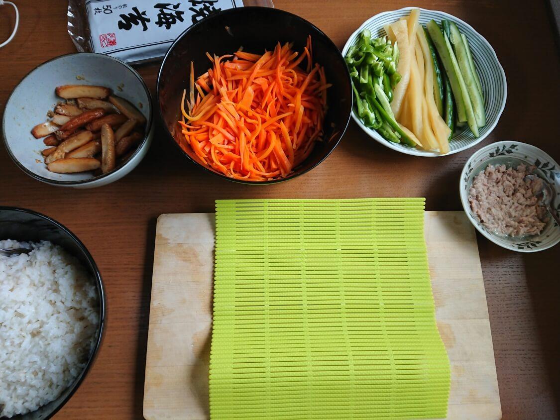 火を使わない!簡単ツナキンパ+野菜キンパの作り方。巻きすで綺麗に巻く