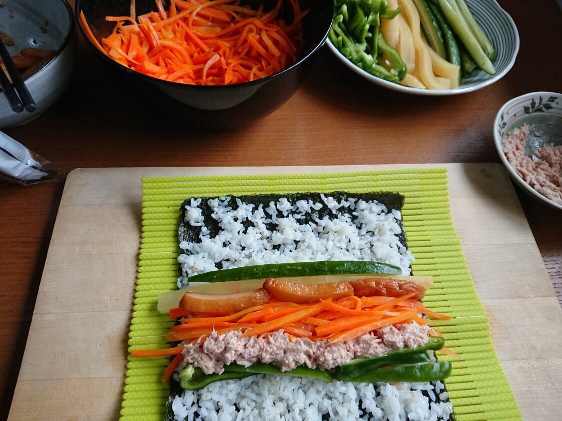 火を使わない!簡単ツナキンパ+野菜キンパの作り方。綺麗な巻き方