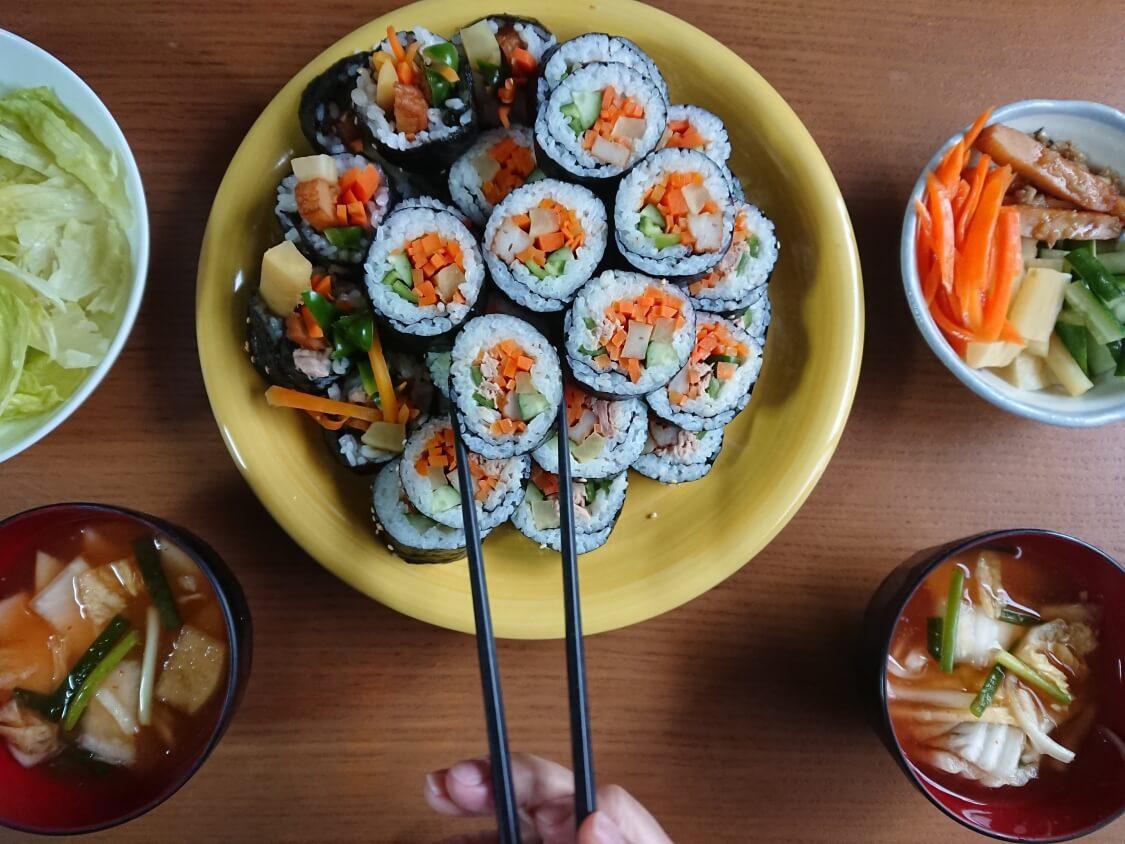 火を使わない!簡単ツナキンパ+野菜キンパの作り方。韓国海苔巻き、キンパプで食事