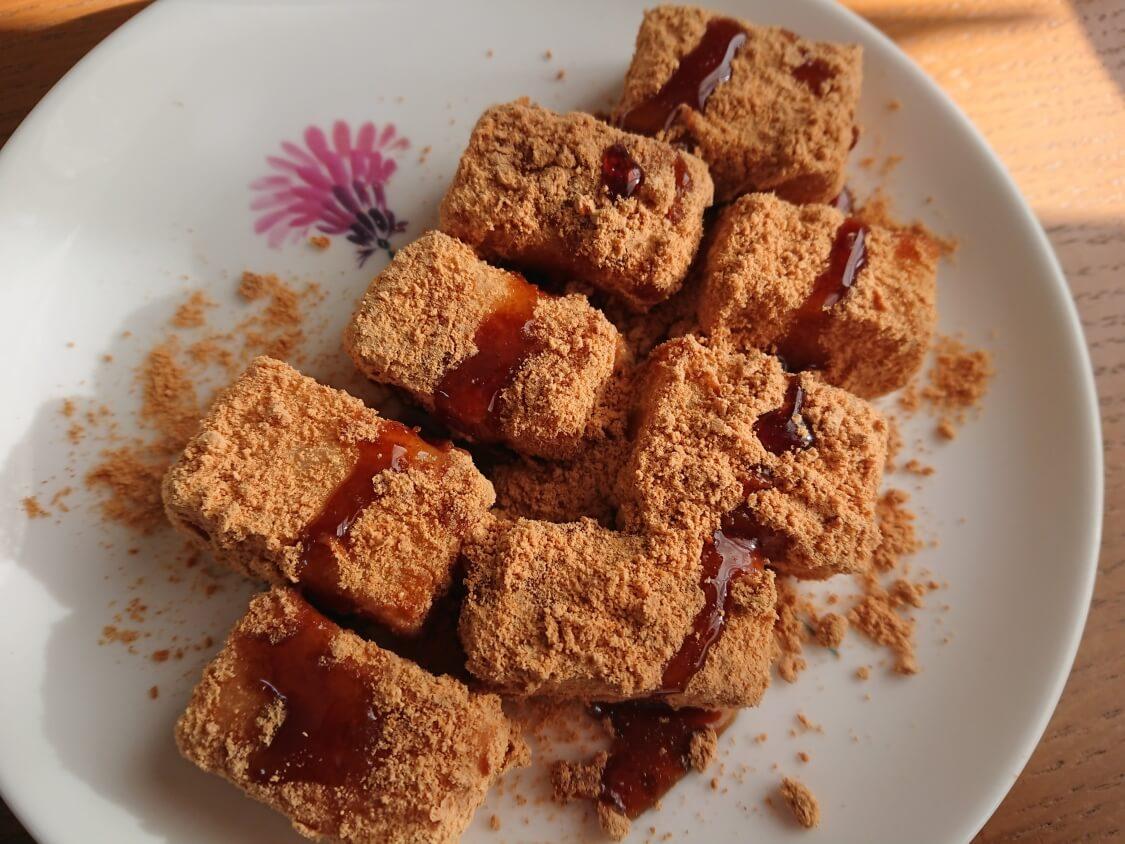 きな粉餅の簡単レシピ。レンジで3分!お湯で7分!韓国のインジョルミ餅