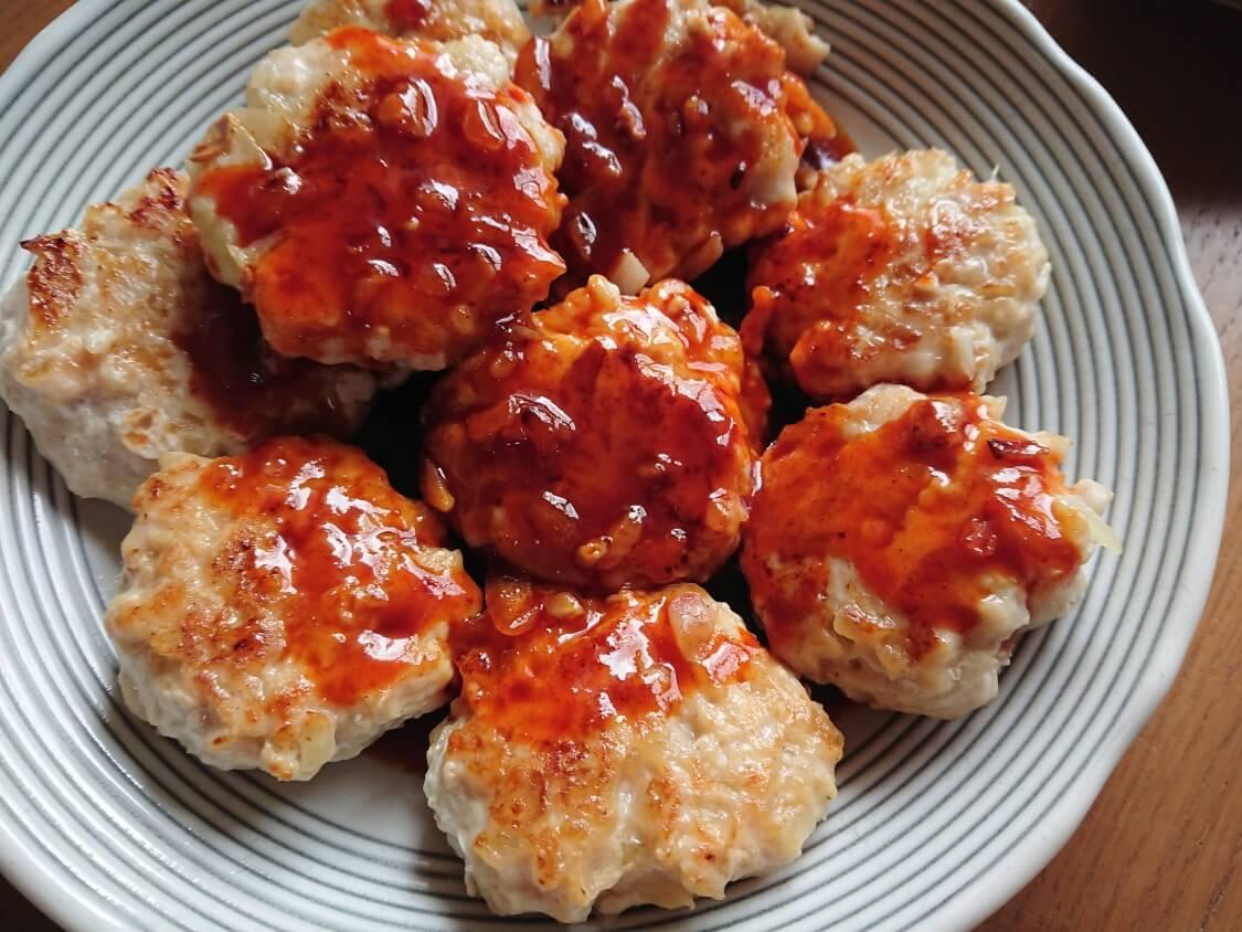 むね肉で!鶏ミンチのヤンニョムチキンハンバーグのレシピ。タレと仕上げ