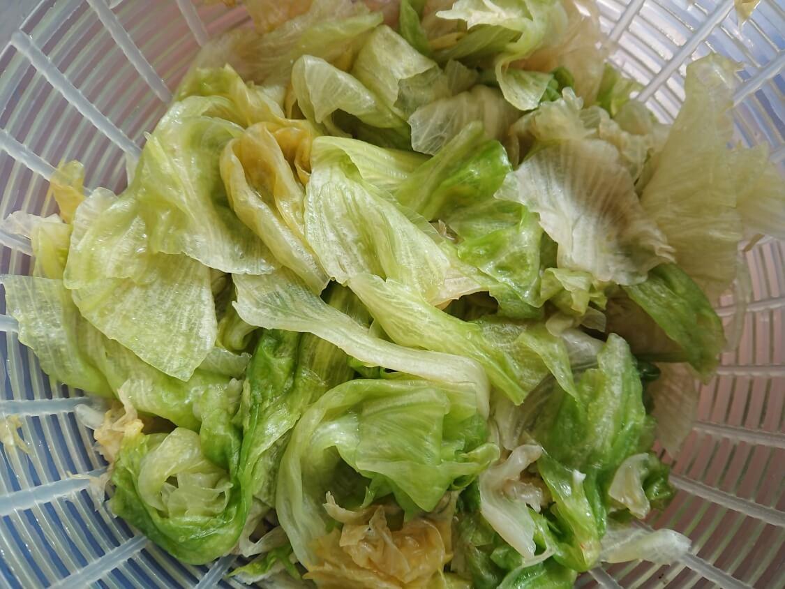 茹でたレタスで!塩昆布和えナムルの簡単レシピ。茹で方