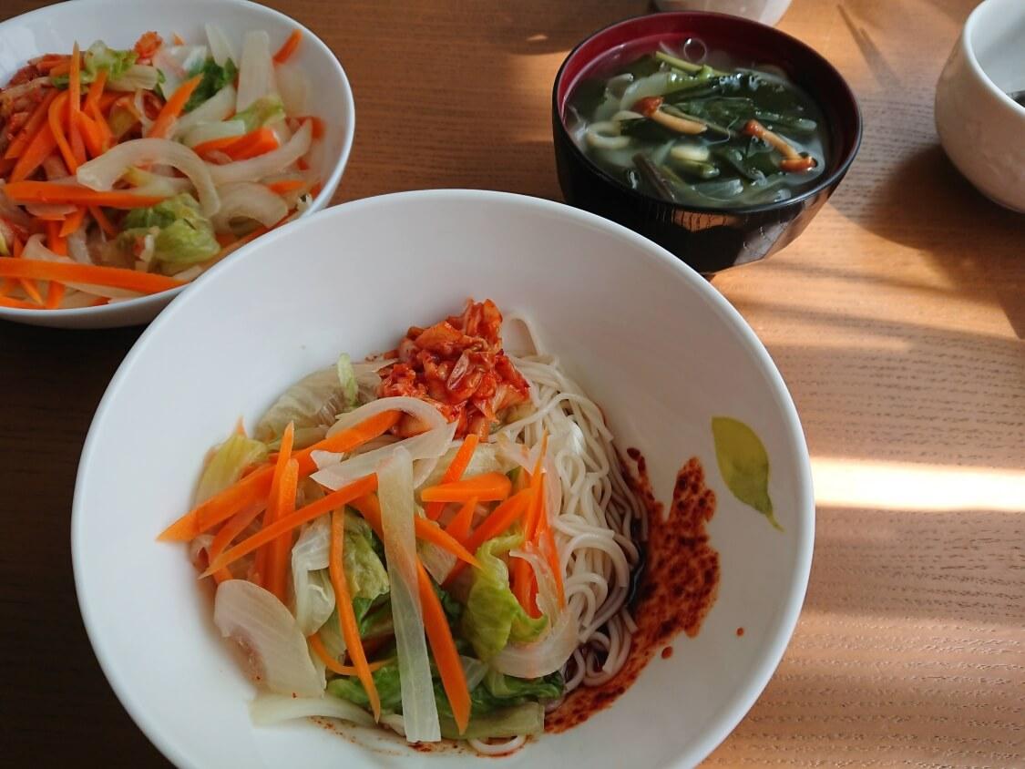 5分で美味しいわかめスープ♪お肉なし韓国レシピ。ビビン麺の付け合わせに