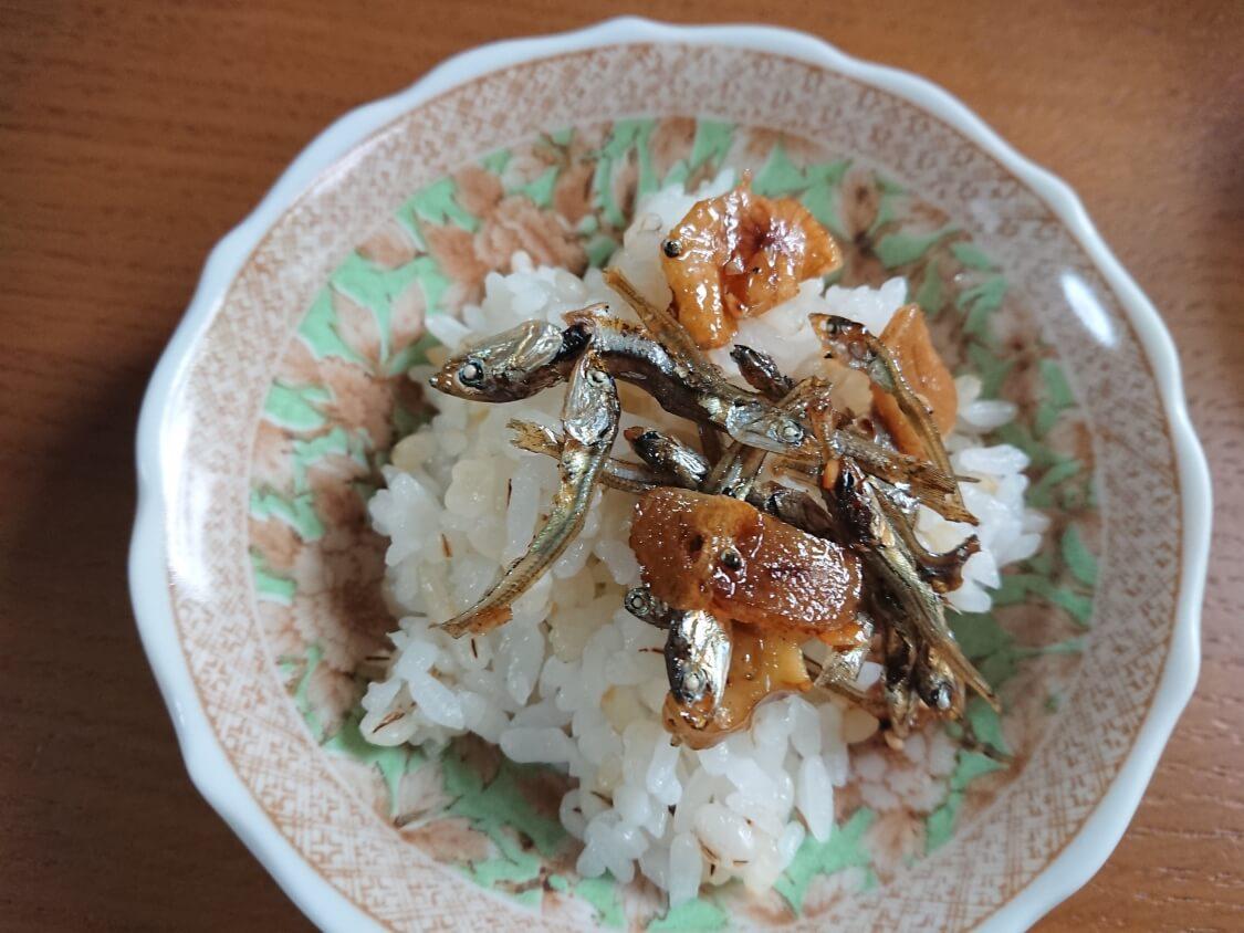 小魚とくるみの佃煮(ミョルチポックム)韓国の料理研究家の人気レシピ。ご飯がすすむおかず