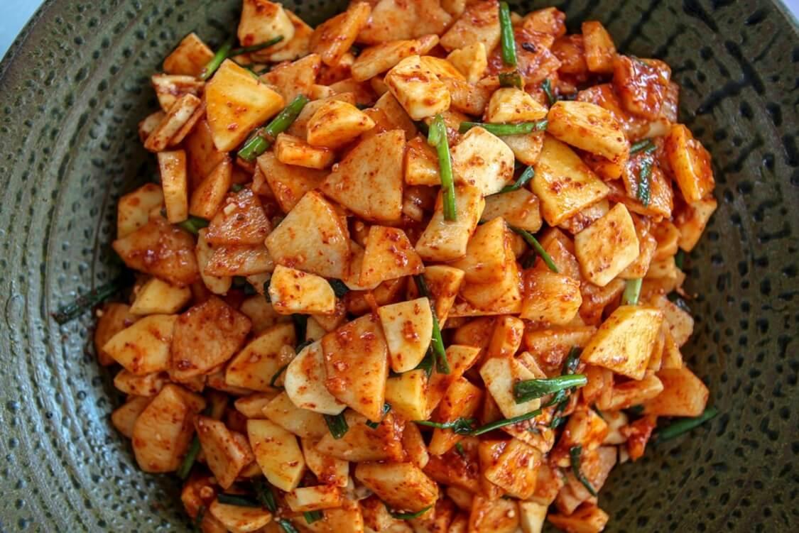 簡単本格!長芋キムチ(マカクテキ)の韓国レシピ。本場のマキムチ(カクテキ)