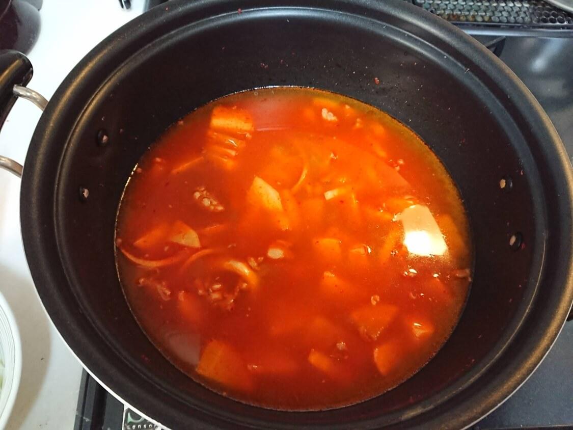 簡単!うま辛ユッケジャンの韓国人気レシピ。詳しい作り方。コチュジャンは使わない