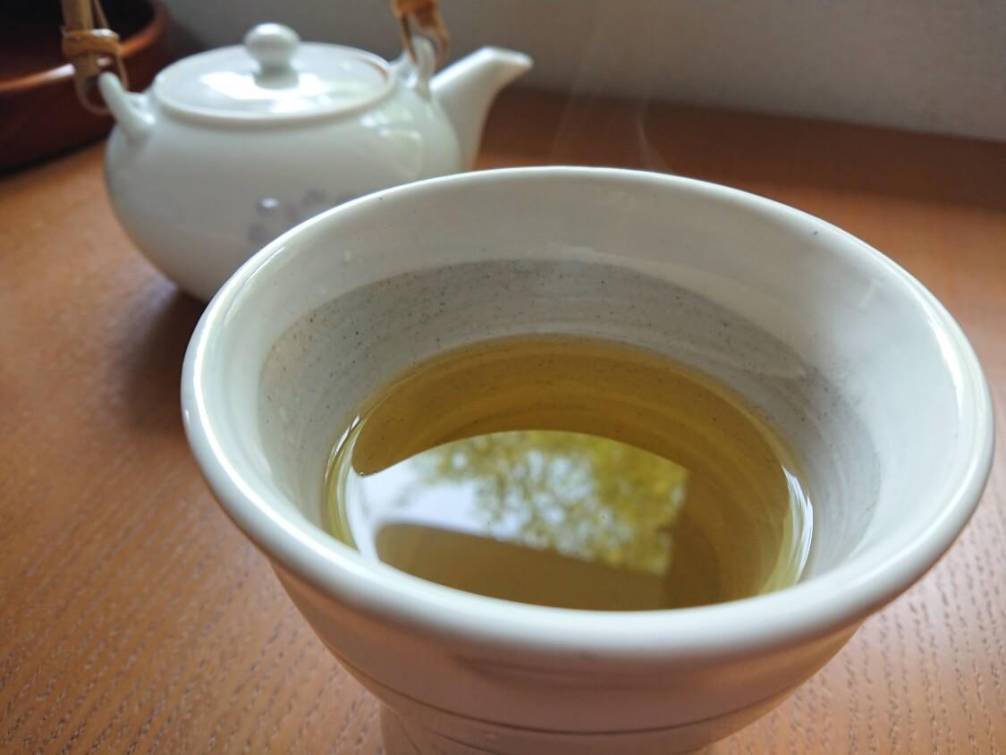 ユッケジャンとお茶
