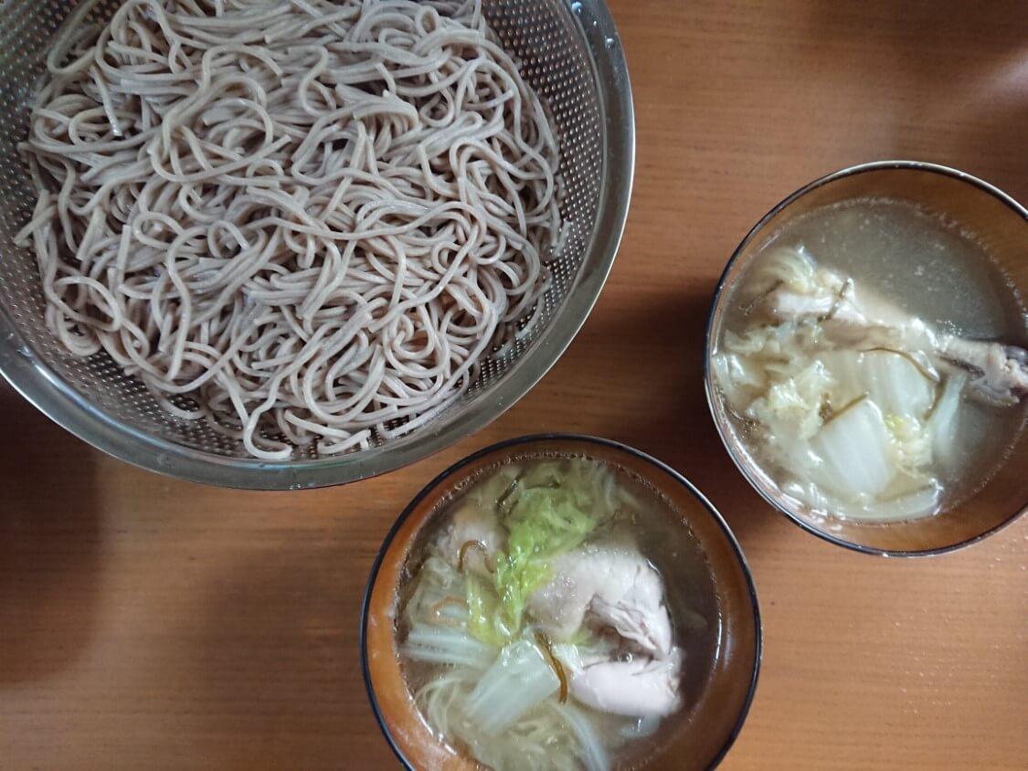 タッコムタン(鶏の煮込みスープ)の簡単レシピ。そばの付け合わせに