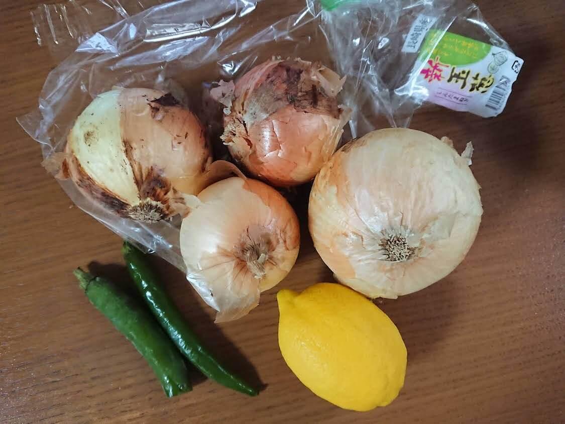 新玉ねぎの酢しょうゆ漬け、韓国人気レシピの材料。万能で簡単!ヤンパチャンアチ