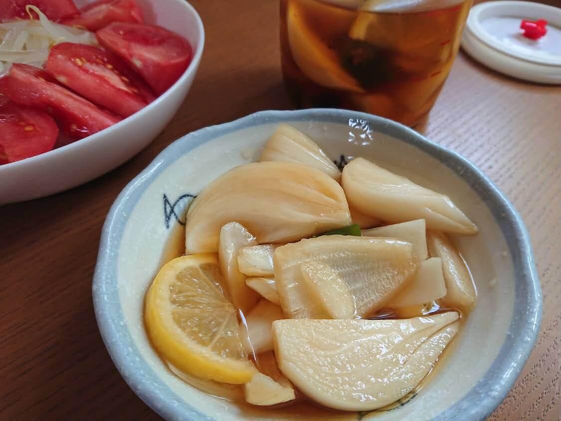 新玉ねぎの酢しょうゆ漬け、韓国人気レシピ。万能!作り置きおかず