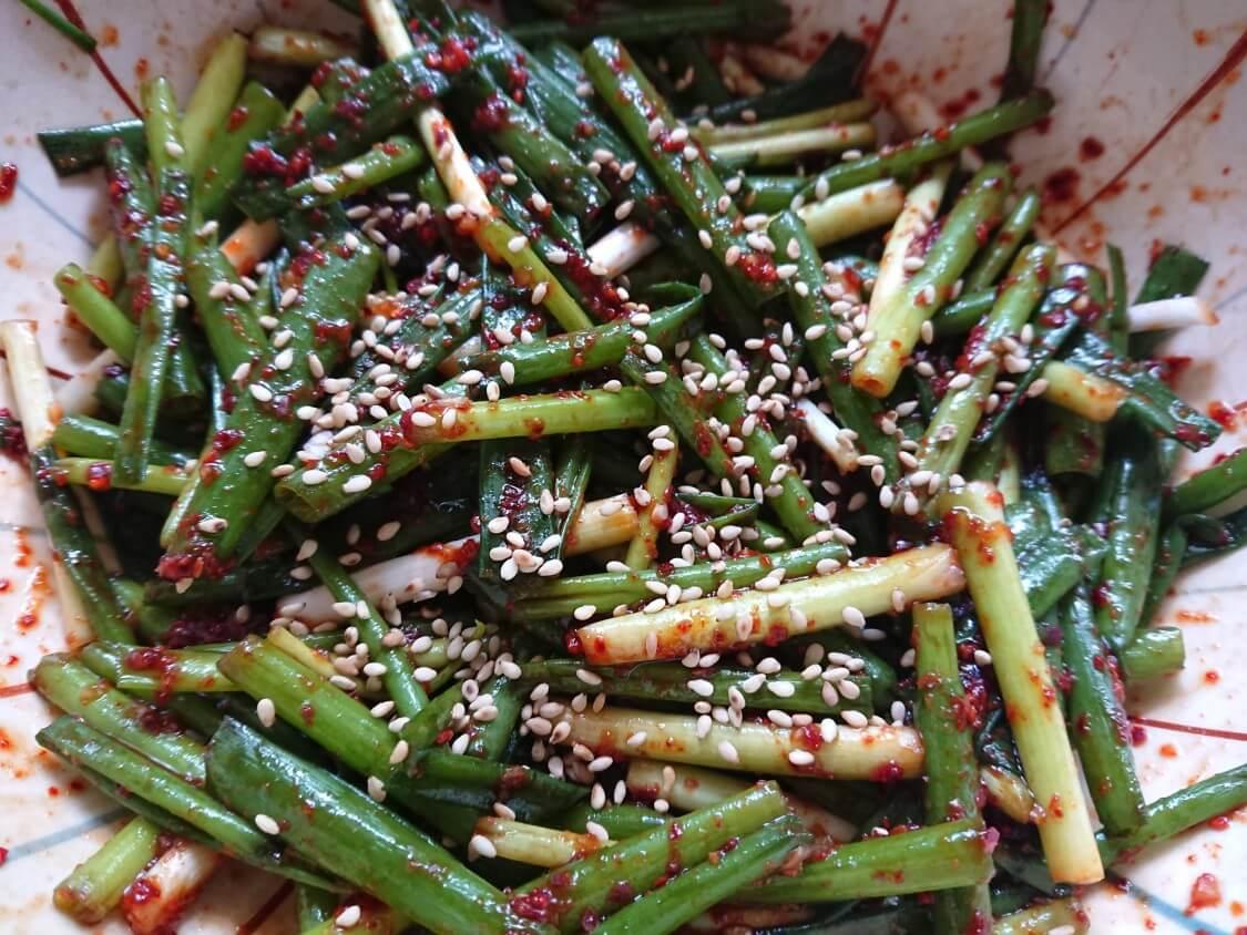 簡単!わけぎ/小ねぎキムチの韓国レシピ。お肉が美味しくなる♪即席パコッチョリ