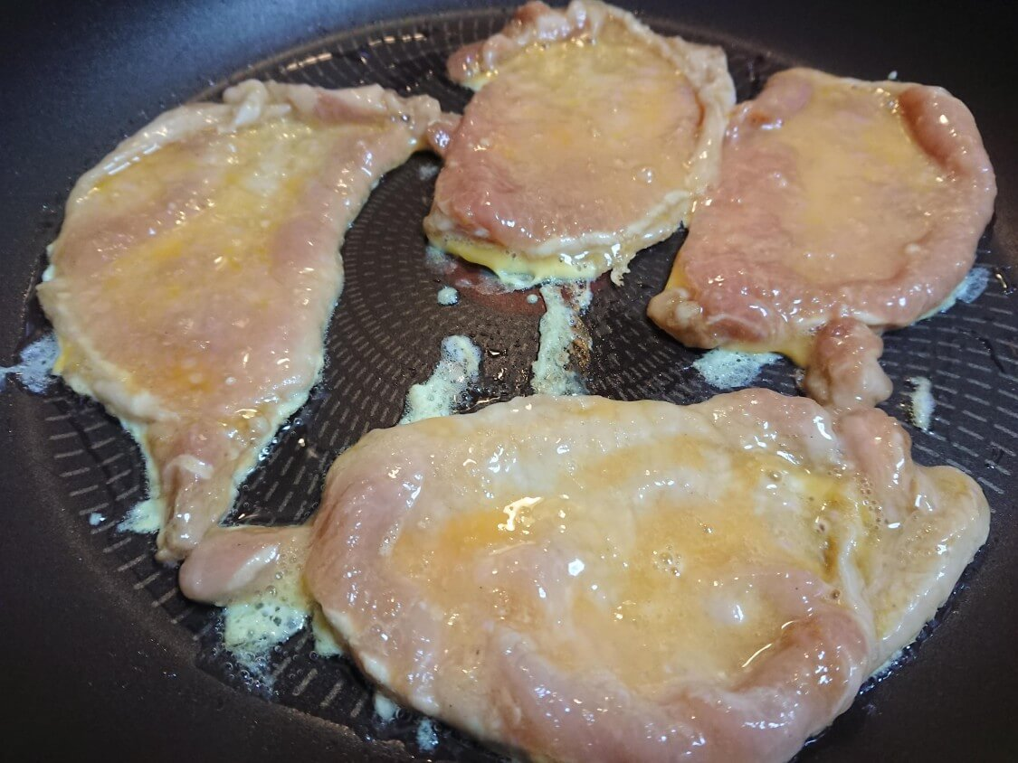 韓国の牛肉&豚肉チヂミ「육전」人気レシピ。焼き方