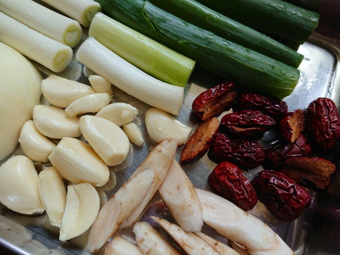 炊飯器で簡単サムゲタン!入る野菜と漢方材料