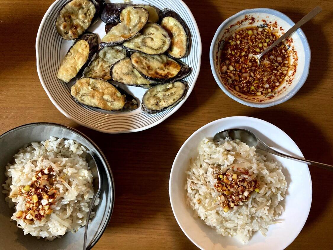 もやしご飯の韓国人気レシピ。おかずは茄子のチヂミ