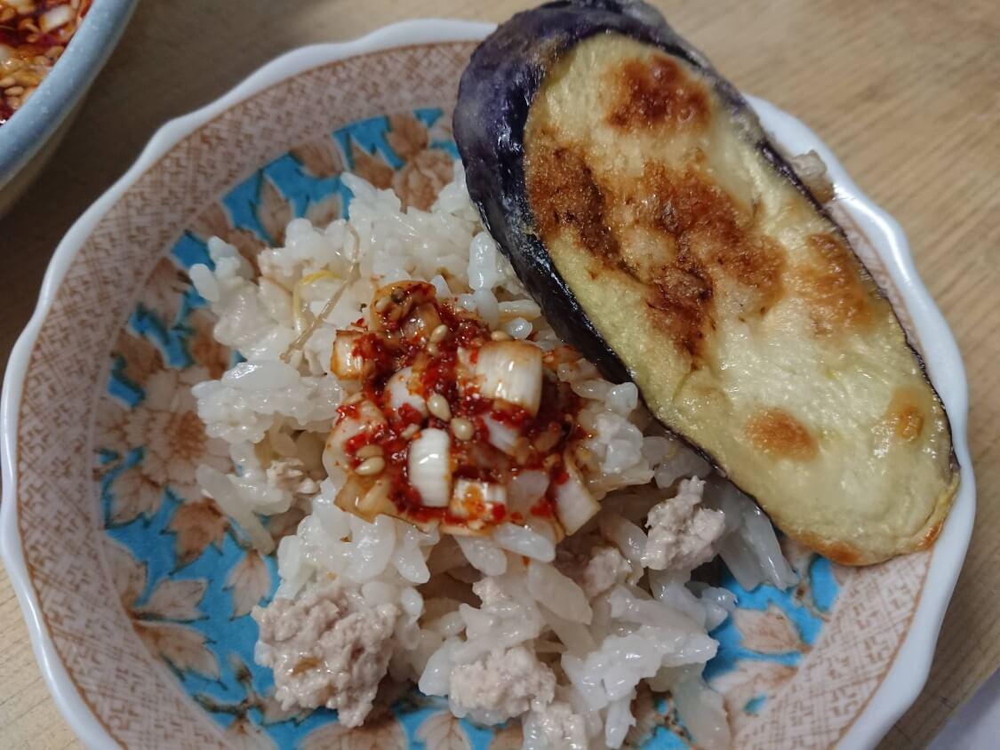 簡単♪もやしご飯の韓国人気レシピ。ごま醤油だれのビビンバ★ダイエットにも