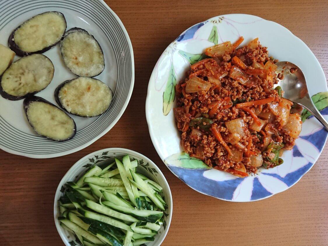 韓国ピリ辛肉味噌レシピ。混ぜうどんの付け合わせに