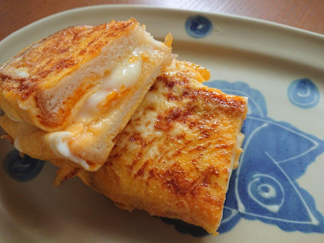 とろ~り♪チーズと卵のトースト。韓国の人気レシピ(ワンパントースト)
