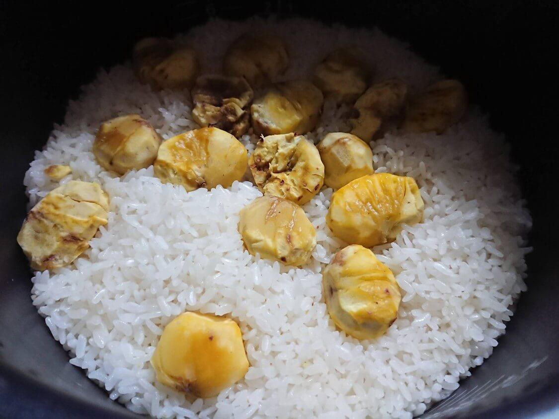 もち米入りの栗ご飯