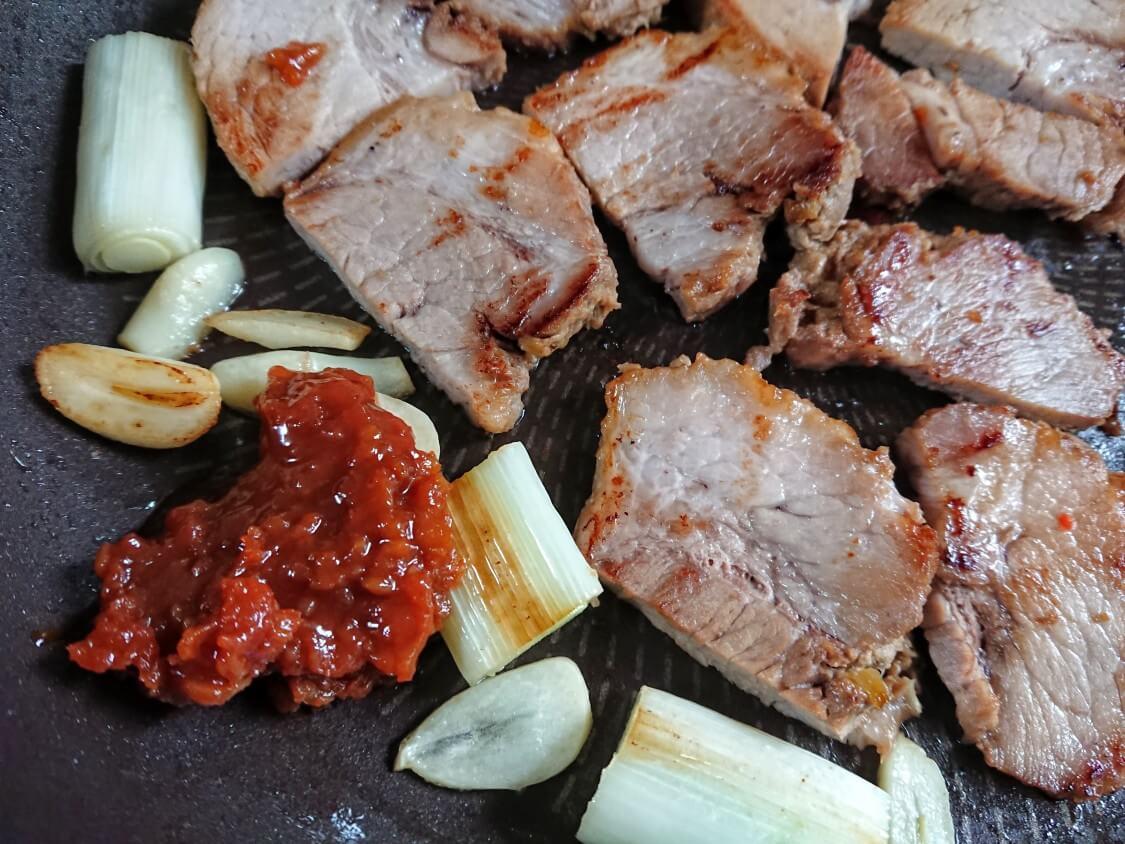 東海林さだおの簡単チャーシュー!韓国式の美味しい食べ方♪煮豚の作り置き