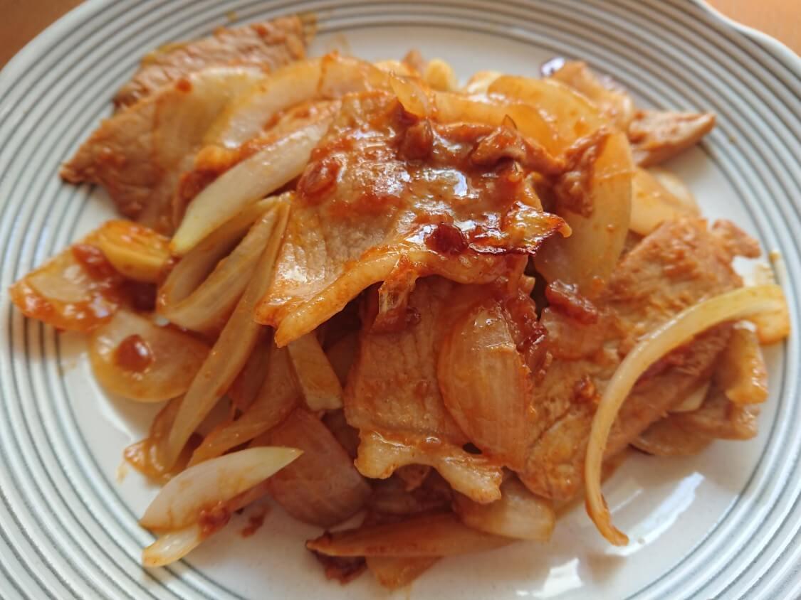 韓国ピリ辛味噌「サムジャン」市販+手作り+活用レシピ。豚肉炒めの調味料として