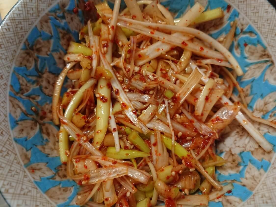 万能副菜<白髪ねぎキムチ>韓国の簡単+本格レシピ。焼き肉のお供に♪切り方は2つ